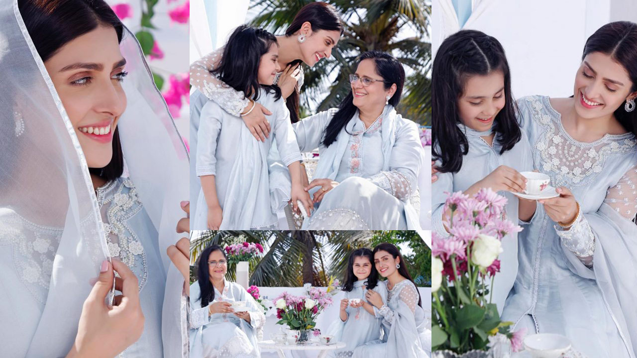 Ayeza Khan New Clicks with her Mom and Daughter with same Dresses